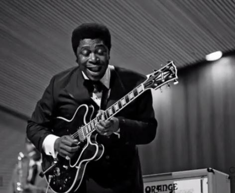 B.B King et sa guitare